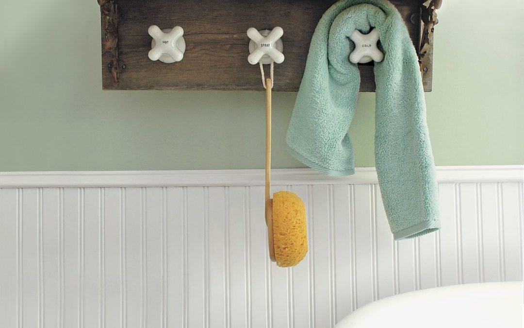 Beautiful DIY Towel rack using old ceramic taps